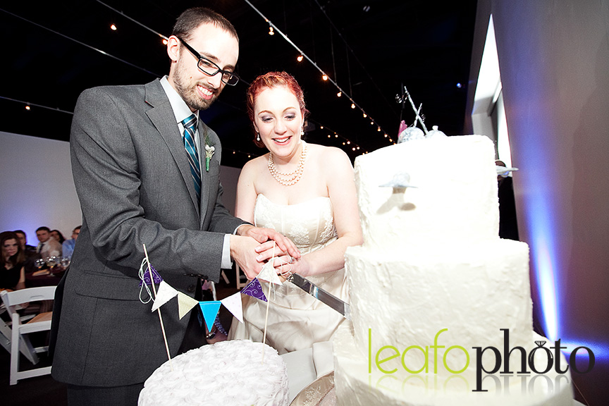 Best-Wedding-Photographers-Delaware, Couple cutting cake